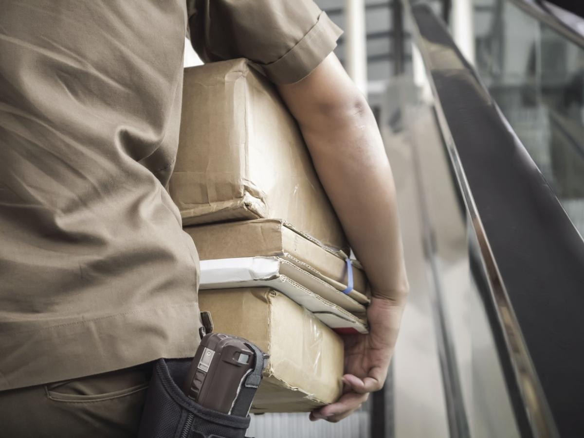 Home security, relationship with neighbors help keep holiday deliveries safe