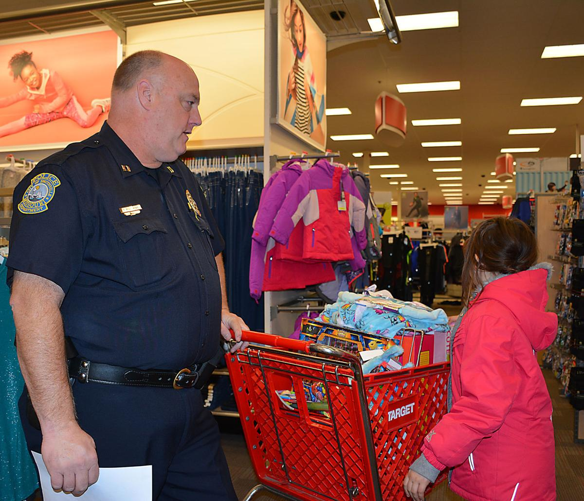 Cops target holiday spirit with shopping sprees