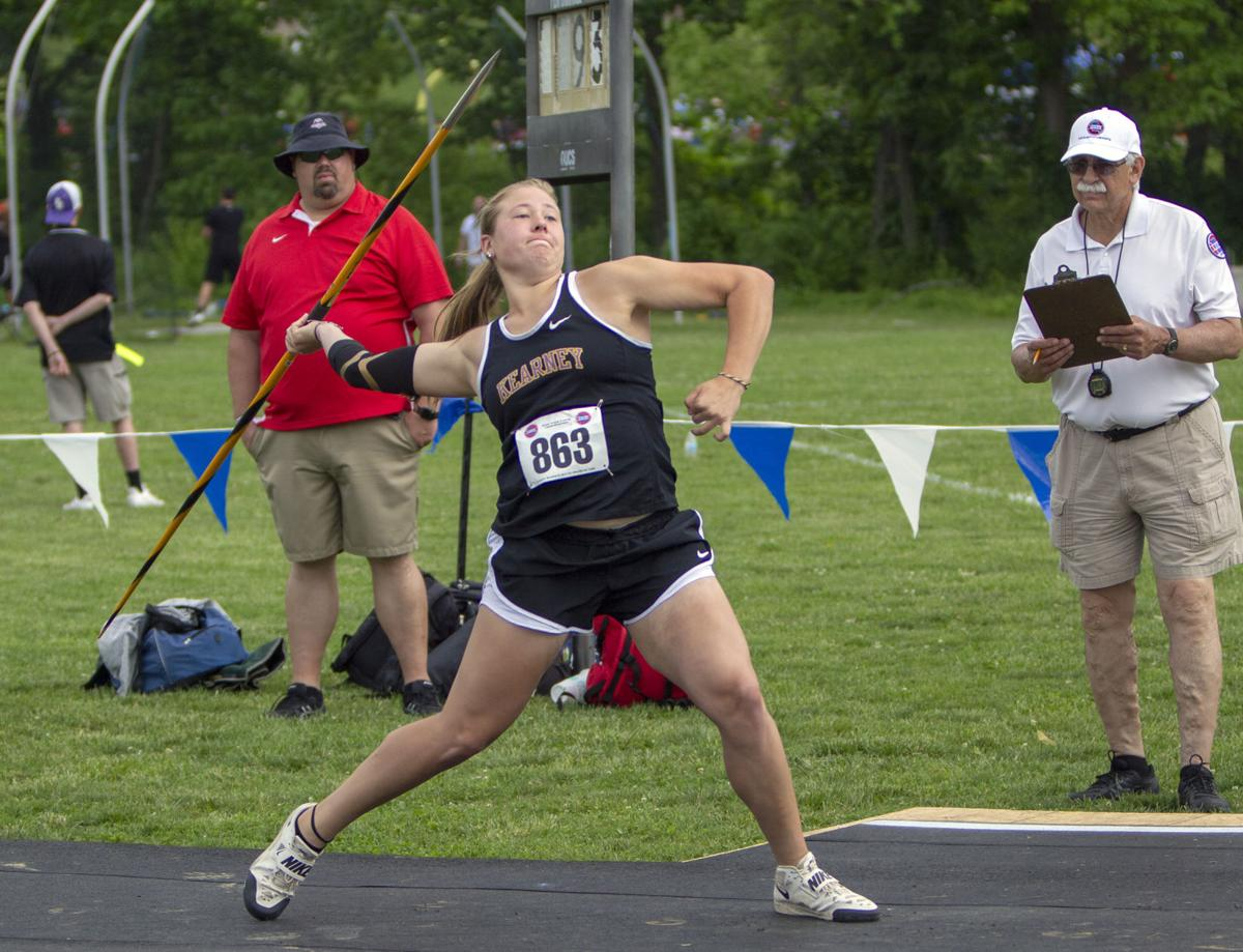 Senior throwers set to lead Bulldogs girls track team