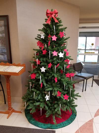 St. Luke's celebrates Annual Tree of Life campaign