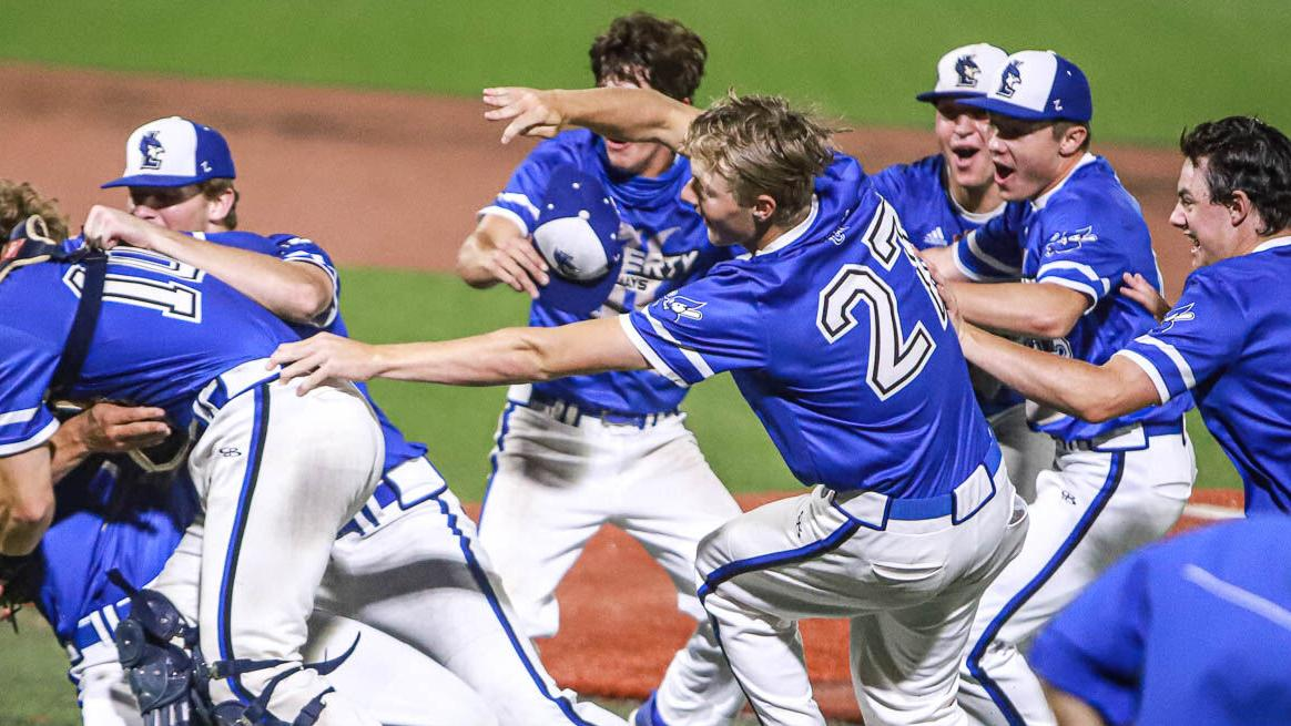 Liberty baseball takes state championship with win over Ft. Zumwalt West