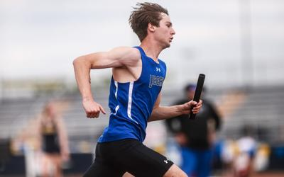Jays boys track edges out Eagles in sectionals