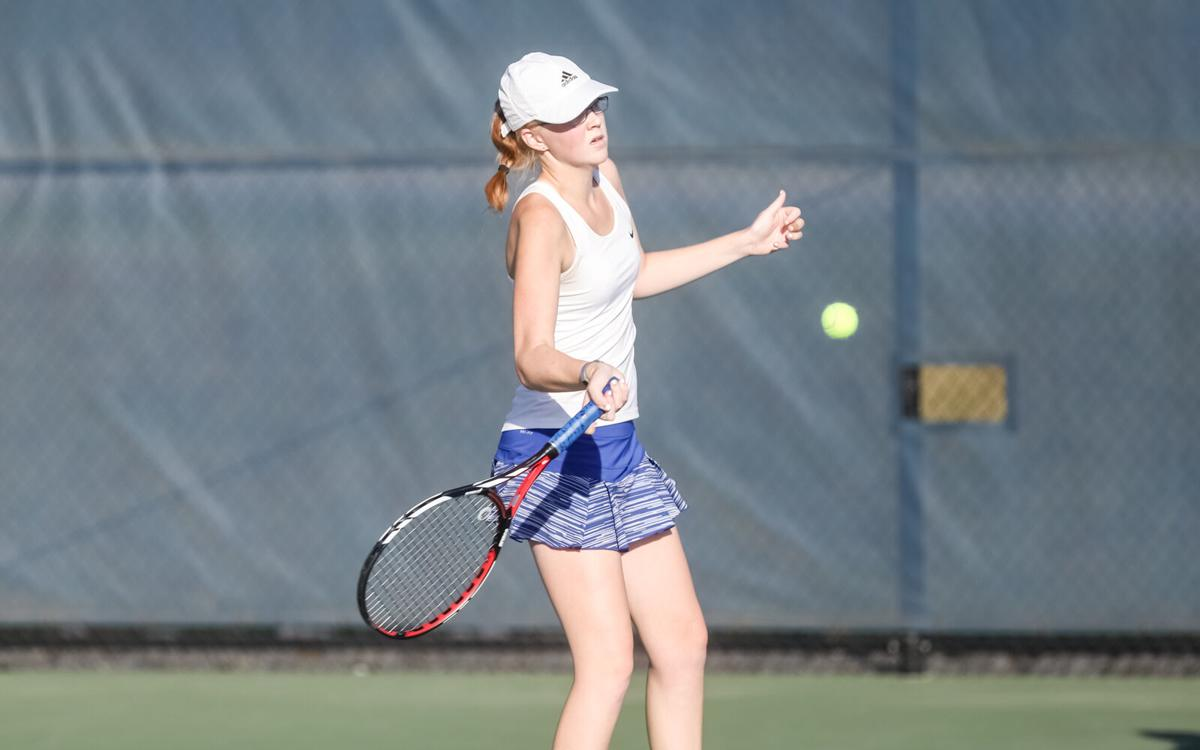 Liberty girls tennis heads to district finals after 5-1 win over Liberty North