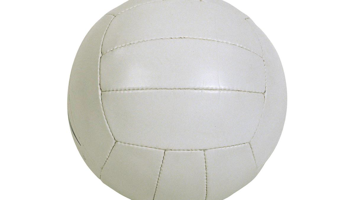 Bulldogs volleyball take on DeSoto tourney