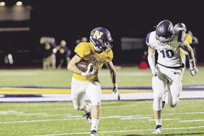 Eagles roll Titans to set up first meeting with Rockhurst
