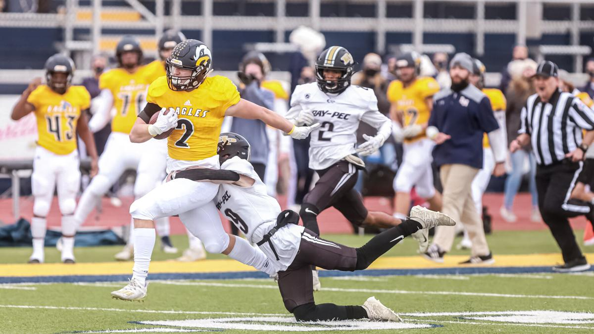 Eagles lose 24-17 in state semis as Panthers chew up clock late
