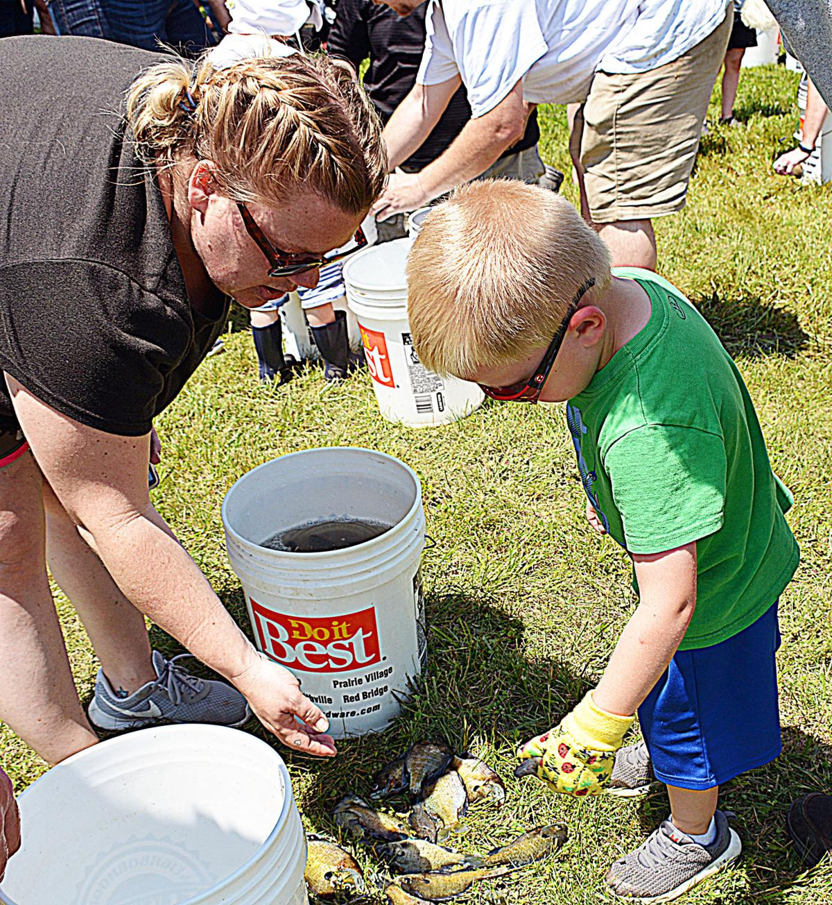 Fishing reels in trophies for Smithville youngsters
