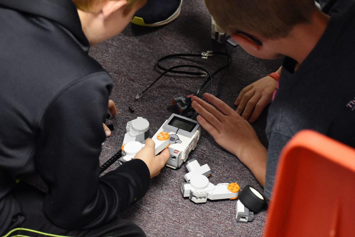 Smithville fifth-graders get head-start in robotics
