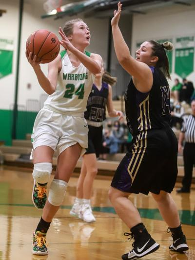 Smithville girls hoops start new year slow with loss to St. Pius X