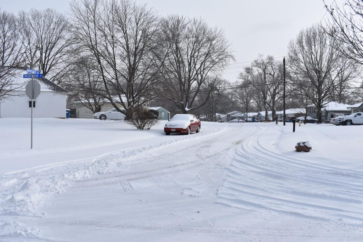 Snowfall slows, plows prepare for clean up