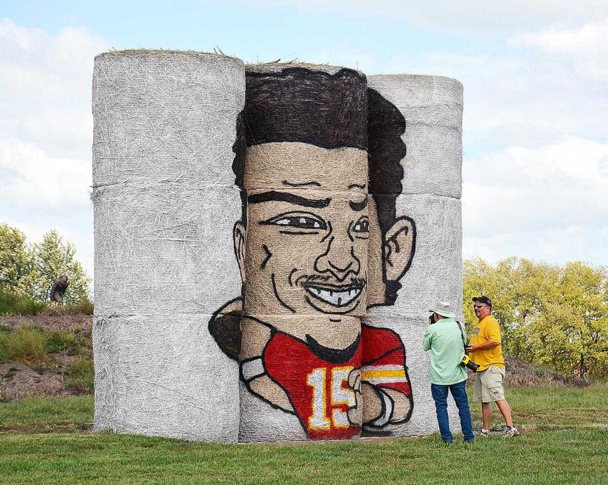 Visits to Frick Farm's Mahomes artwork reaches fever pitch