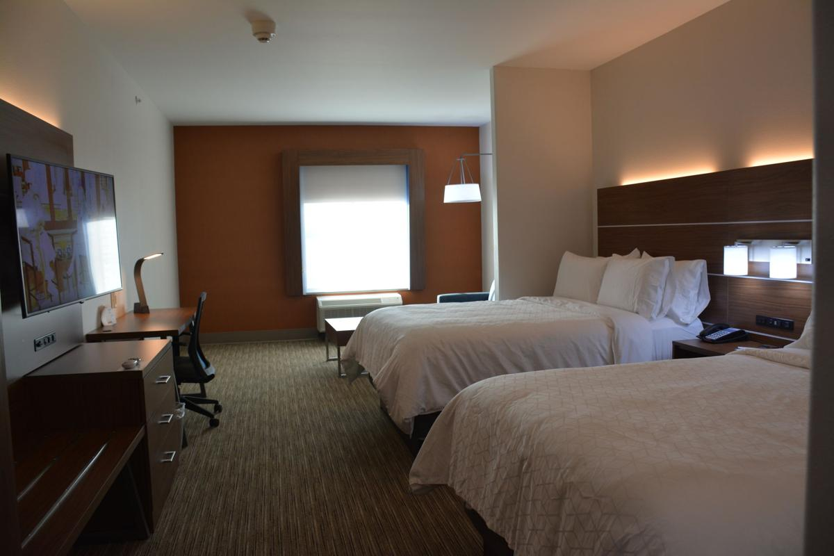 Kearney transplants welcome visitors to newest hotel in city