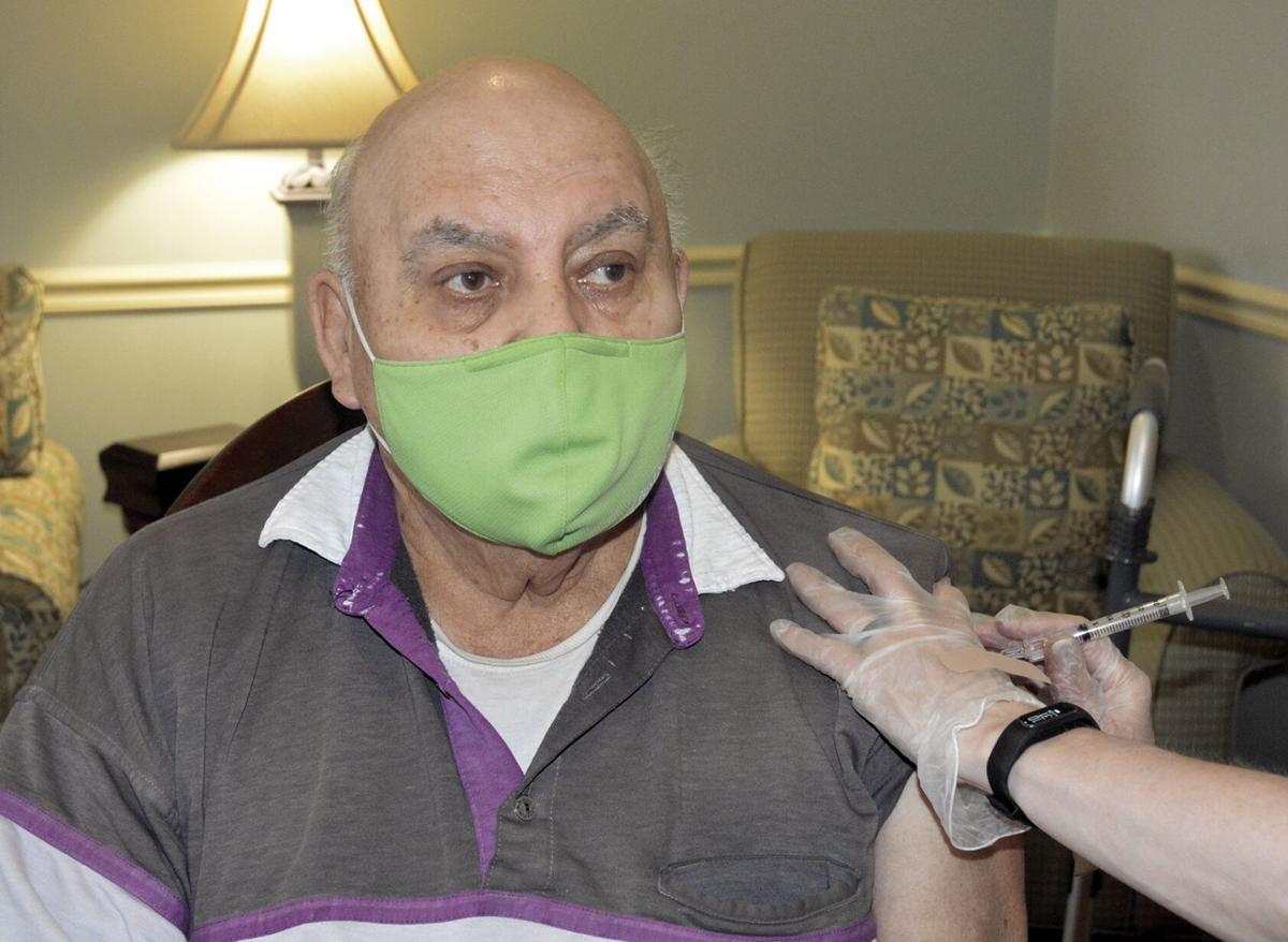 Oak Pointe seniors receive Moderna vaccine