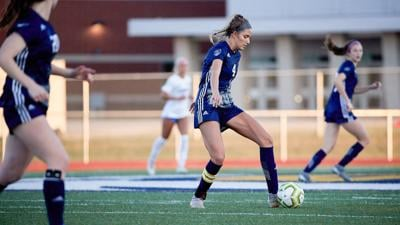 Eagles girls soccer pitches 6th straight shutout