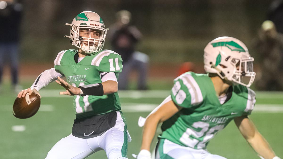 Smithville football loses 13-10 to Helias Catholic after last minute score