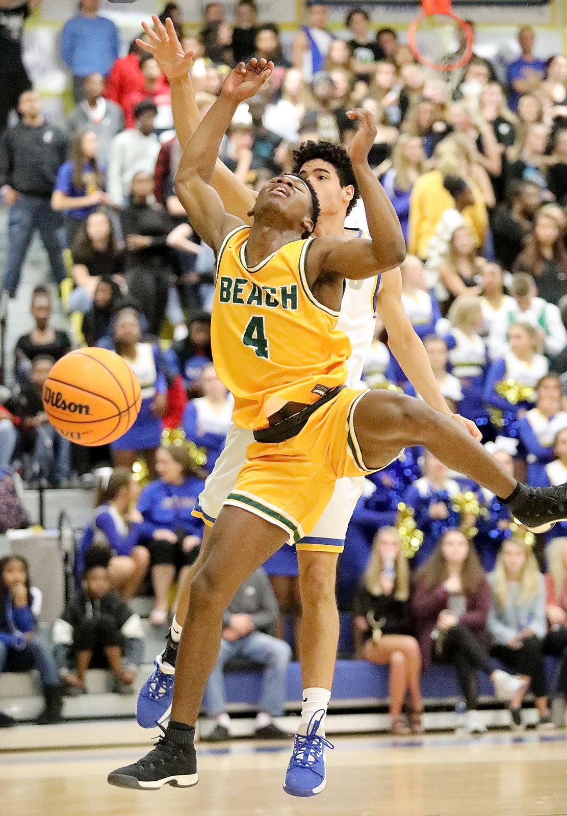Myrtle Beach Beats North Myrtle Beach In Region Play