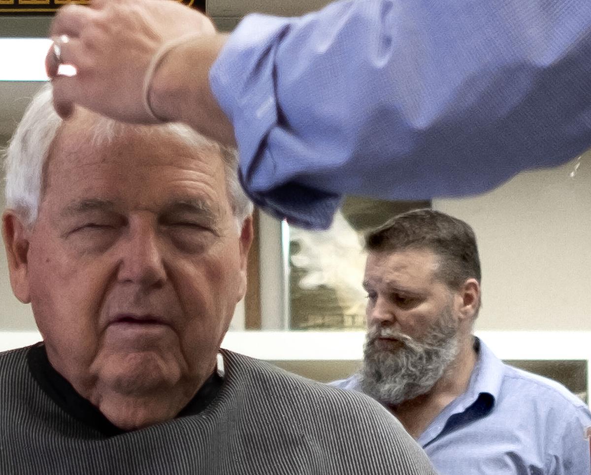 430 loris barber shop_JM02.JPG