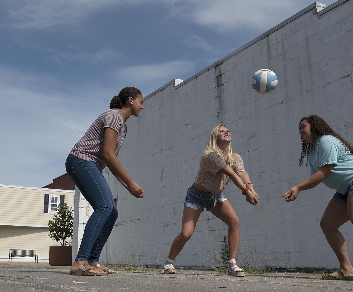 725AHS volleyball_JM01.JPG