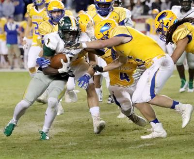 Myrtle Beach faces Wren for state championship title
