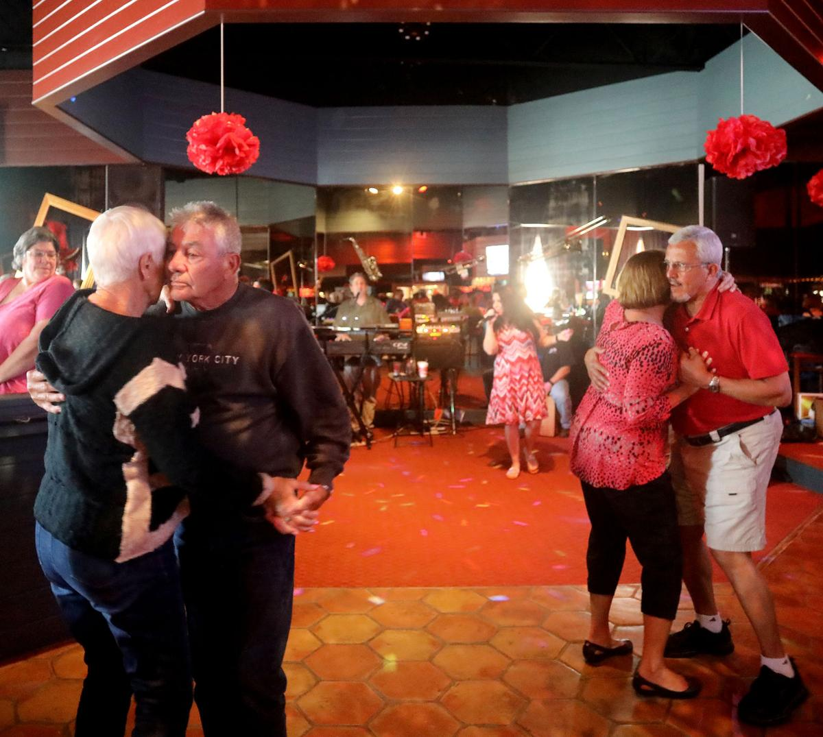 Carolina Seafood & Steak serves up fresh food, fun atmosphere