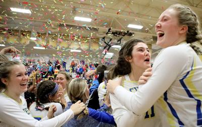 7a839b35 Chiefs sweep past Seahawks to state title match | Volleyball ...