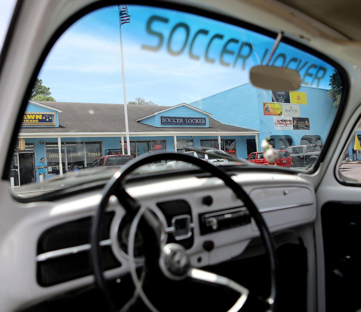 SPORTS soccer locker_JM02.JPG