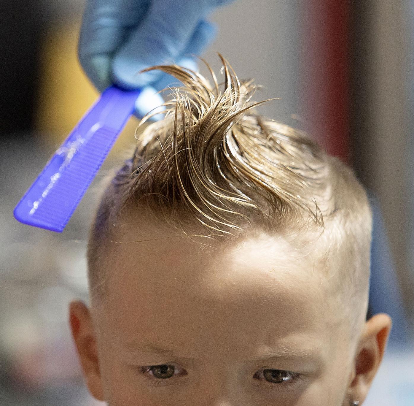0815 free haircuts_JM02.JPG
