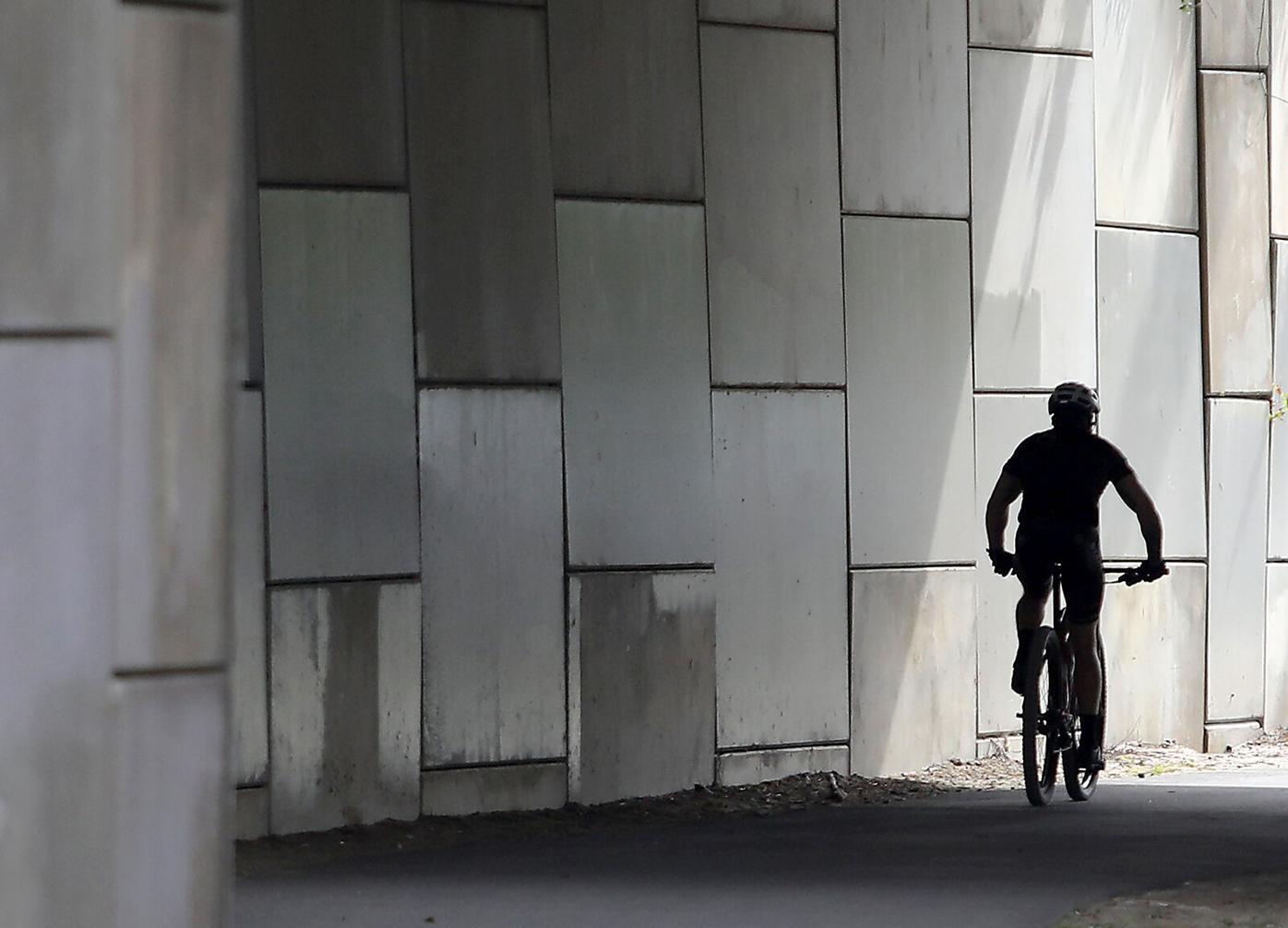 420 HULK bike path_JM01.JPG