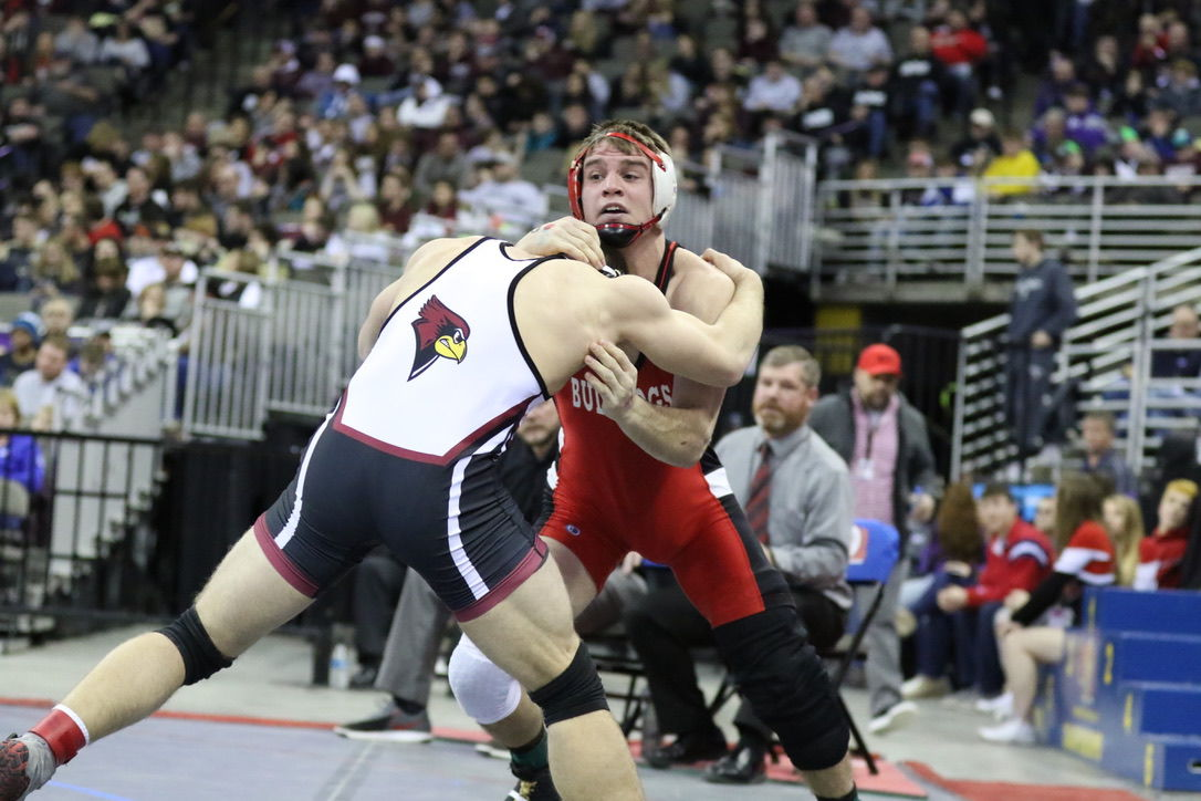 Zimmerer and Scott wrestle for title