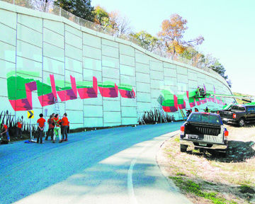 Northwest High Mural Club Paints Welcome To House Springs Roadside