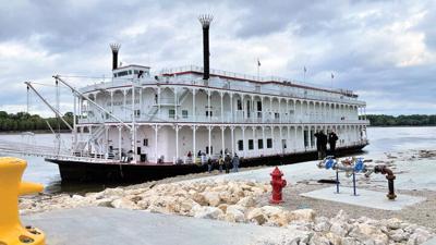American Duchess docking at Kimmswick