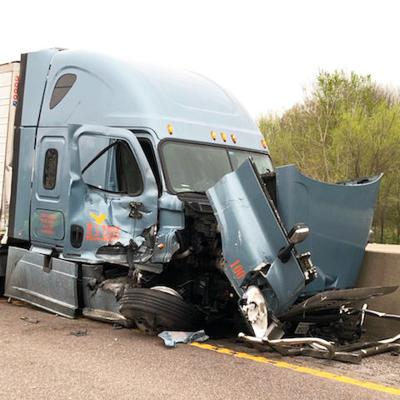Five-vehicle wreck shuts down I-44 for hours | Accidents