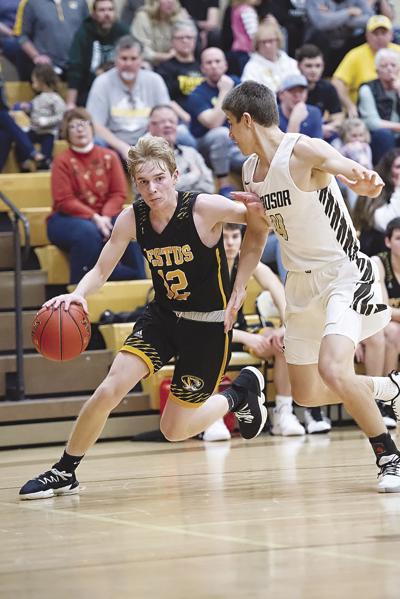 Cole Rickermann, Festus; Pierce Hartmann, Windsor basketball.jpg