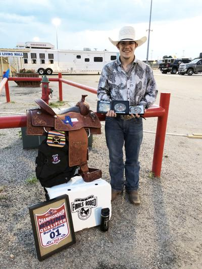 George West High School graduate wins Texas bull riding title