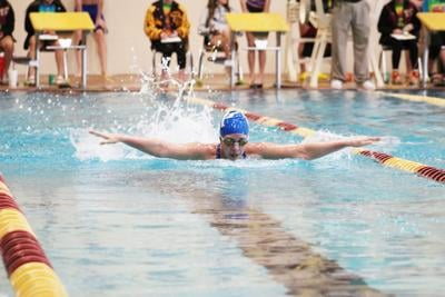 Dykehouse wins 500 freestyle for Watercats