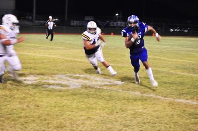 George West Longhorns pound Panthers, 34-10