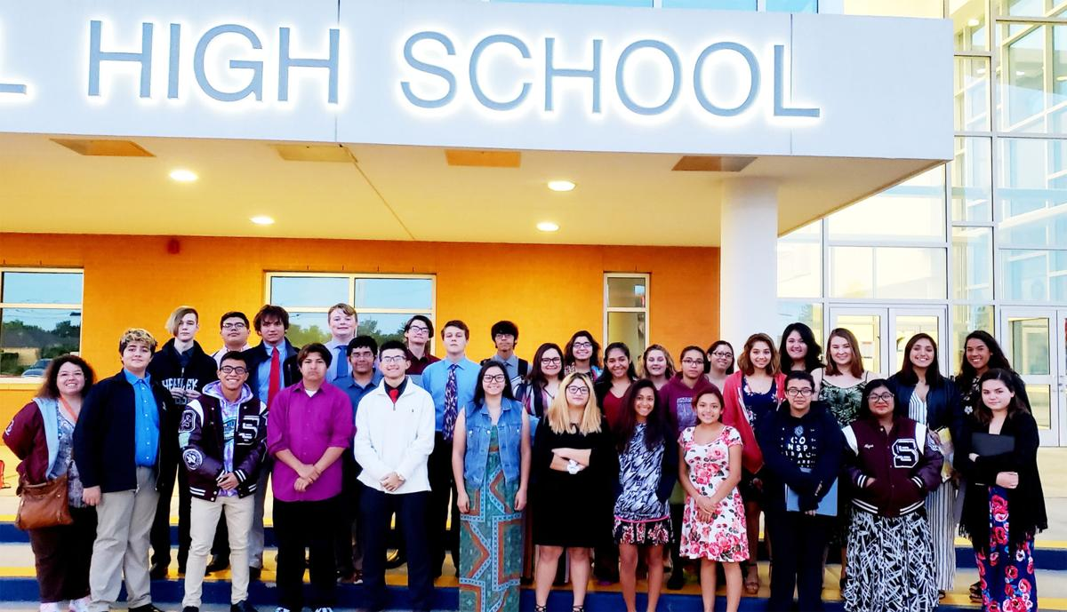 Sinton High School Choir qualifies for state