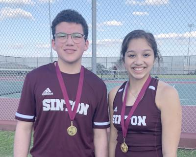 Sinton hosts tennis tourney