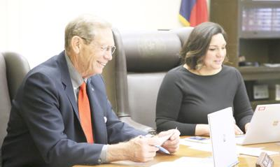 Wind farm company details project plans to Pawnee trustees