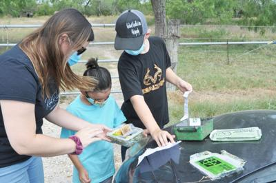 Karnes County family promotes geocaching