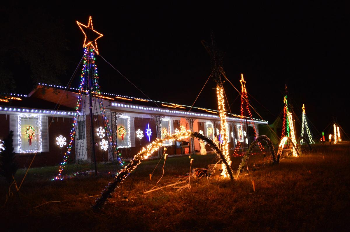 Resident turns home into one of Coastal Bend\'s largest light shows ...