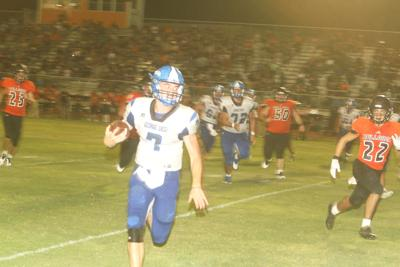 George West offense erupts in 46-26 win: Orr's arm and legs spark Horns' win over Bulldogs