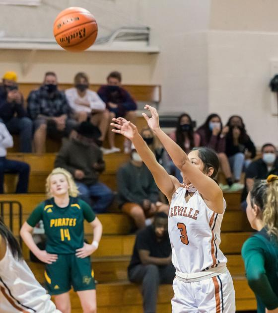 Lady Trojans Fall For First Time In District Play Sports Mysoutex Com