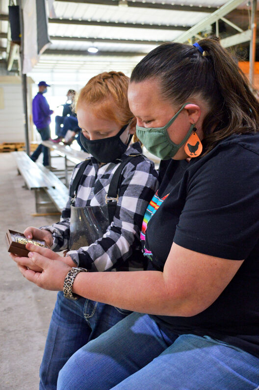 Yanta siblings both snag awards for showmanship during poultry show