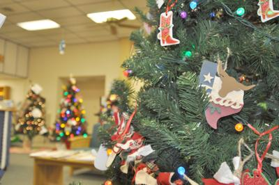 Kenedy library hosting annual decoration contest