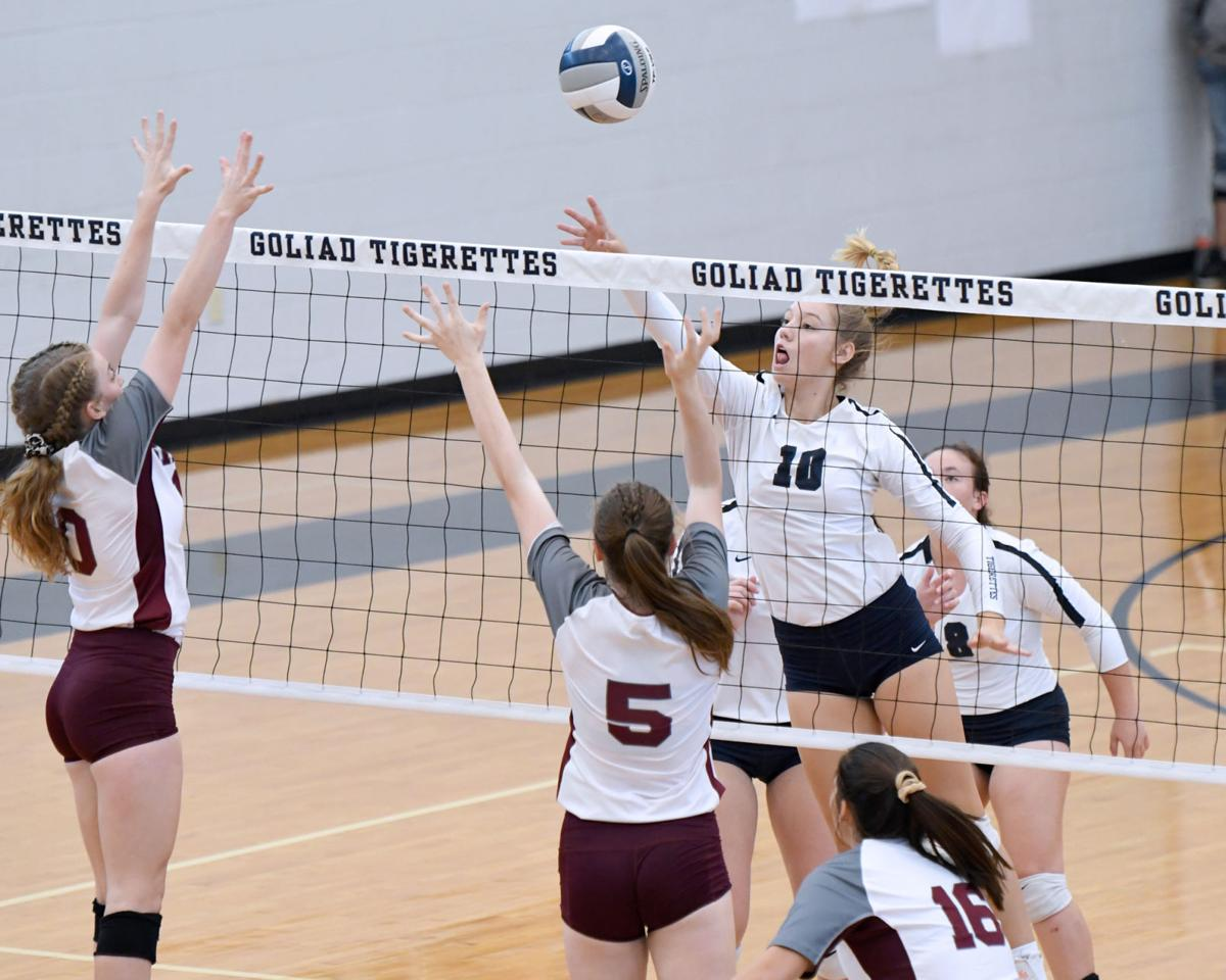 Tigerettes beat Sinton for third at own tourney