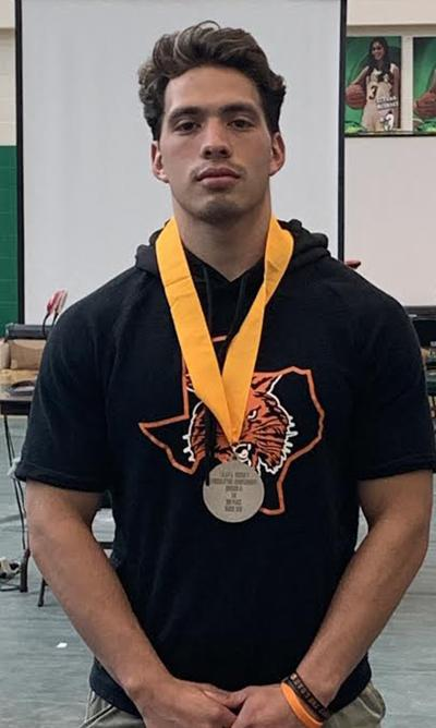 Lifter Meza headed to state