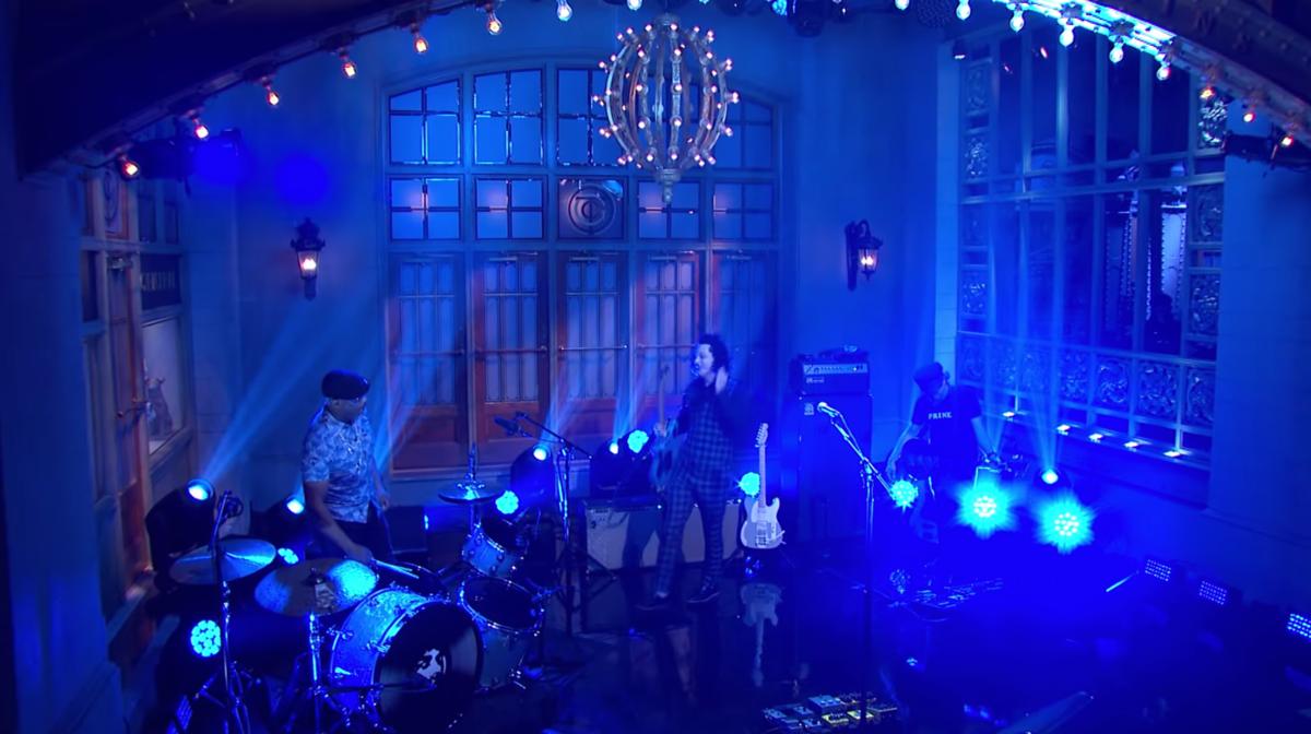 Watch Jack White's Power Trio Rip It Up on <I>SNL</I>