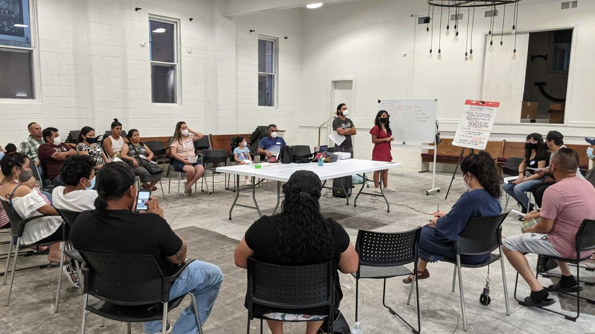 Dickerson Pike mobile tenants meet with Workers Dignity