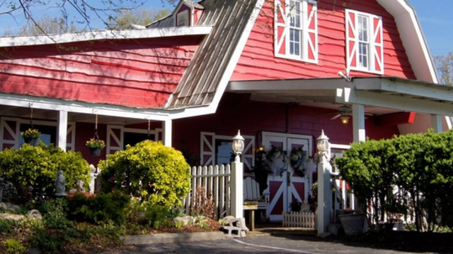 Chaffin's Barn Dinner Theatre Shutters After More Than 50 Years in Business